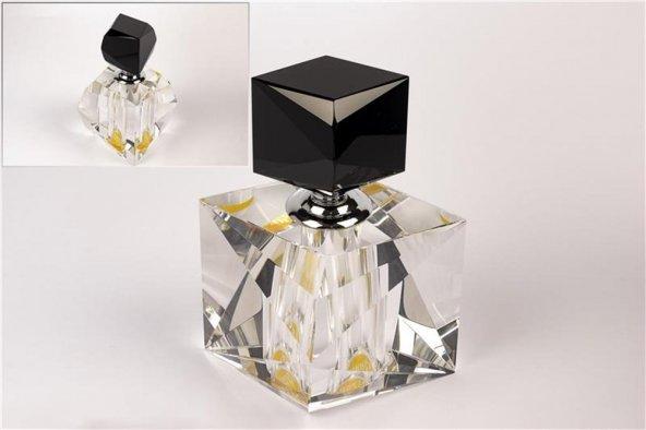 Üçgen Kristal Şişe 15cm