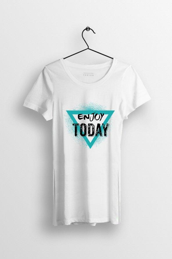 Enjoy Today Baskılı Yırtmaçlı Oversize Kadın Tshirt