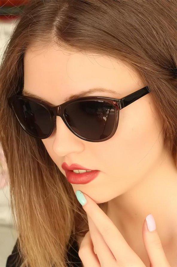 Füme Renk Çerçeveli Clariss Marka Bayan Güneş Gözlüğü