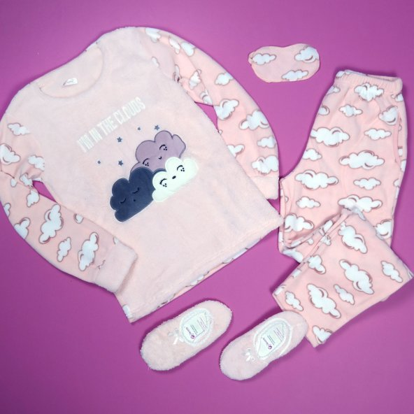 Bulut Desenli Peluş Bayan Pijama Takımı