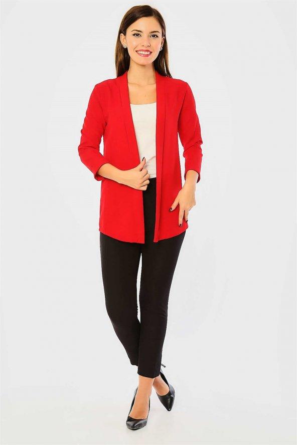 Pervazlı Kısa Kırmızı Ceket