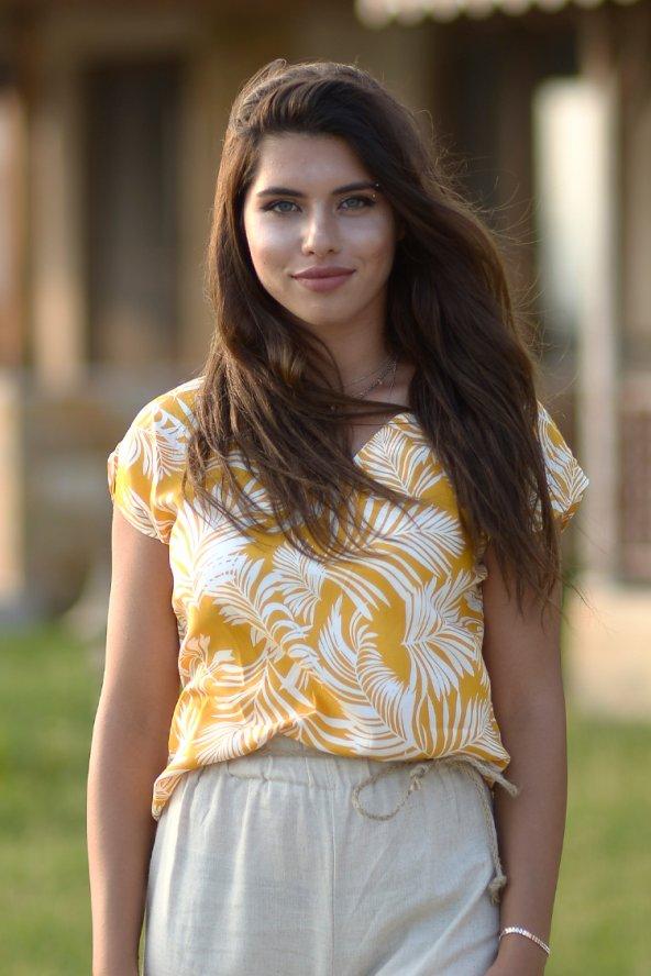 V Yaka Viskon Sarı Bluz