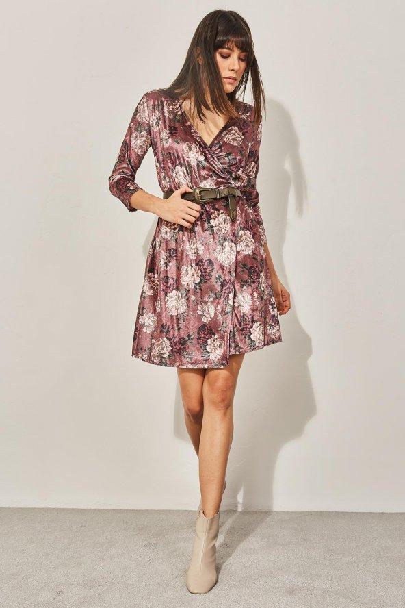 Kadın Pudra Kuvaze Desenli Kadife Elbise