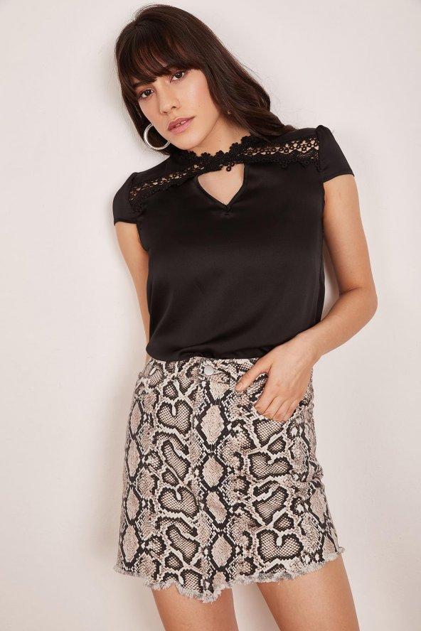 Kadın Siyah Dantel Detaylı Bluz