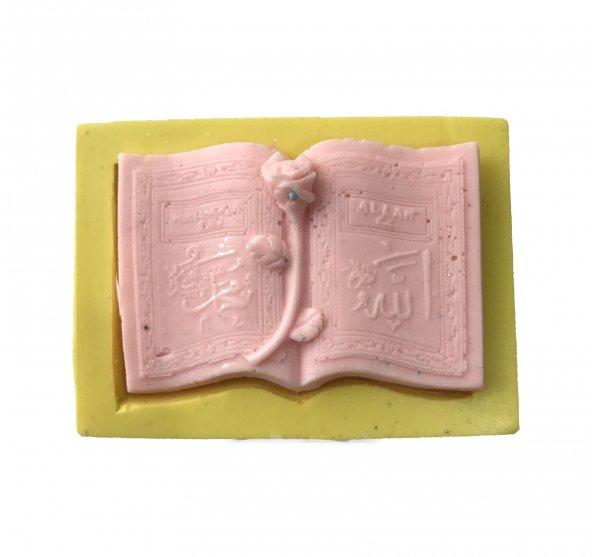 Kuranı Kerim Şeklinde Silikon Pasta ve Seker Hamuru Kalibi 8x5x1 cm
