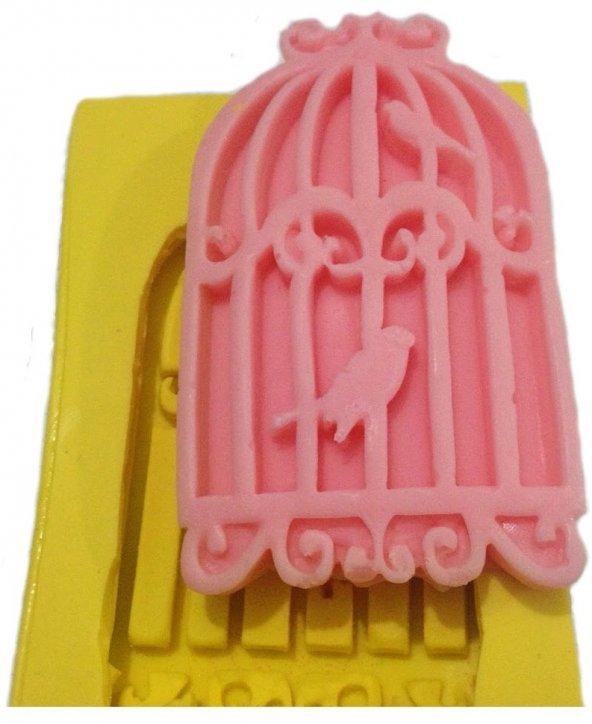 Kafeste Kuş Şekilli Silikon Pasta ve Seker Hamuru Kalibi 9,5x5,5x1,5 cm
