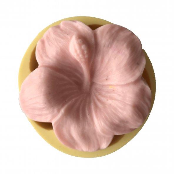 Lilyum Çiçeği Şeklinde Silikon Pasta ve Seker Hamuru Kalibi