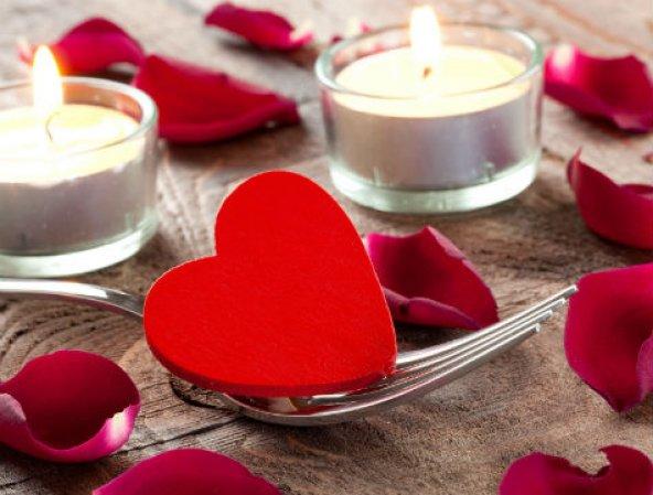 Kalp Şeklinde Mum 50 Adet - Kırmızı