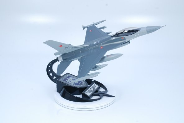 KURTLAR FİLO MAKET UÇAK F-16C 1:48 Ölçek(B:30cm-K:20cm)