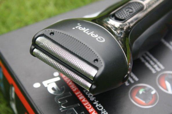 Gemei GM-9003 Çift Bıçaklı Şarjlı Tıraş Makinesi