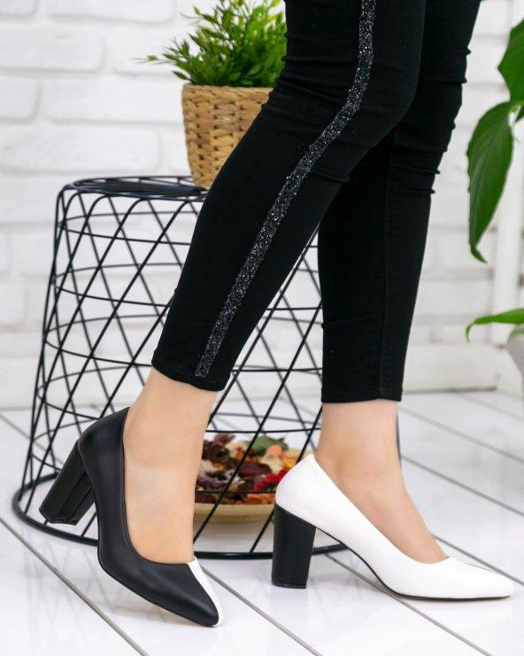 Dena Beyaz Siyah Topuklu Ayakkabı