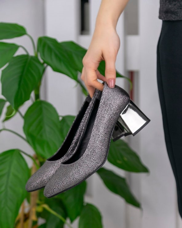 Sever Platin Cilt Ayna Topuklu Ayakkabı
