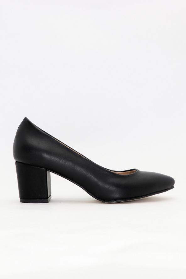 FreeFour Kadın Kısa Kalın Topuklu&Stiletto Ayakkabı