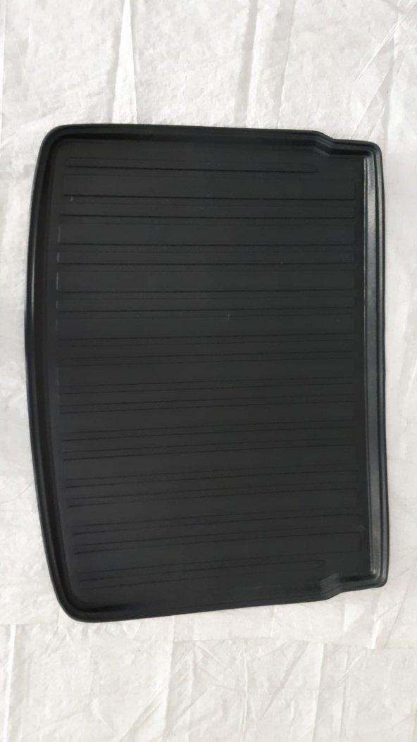 Nissan Qashqai 5 Koltuk Black Edition 2018 Model 3D Bagaj Havuzu