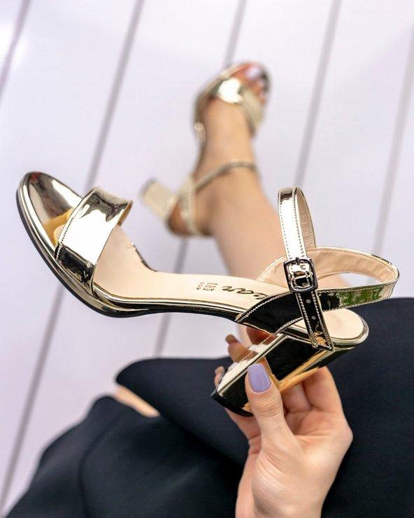 Tanya Altın Rugan Topuklu Ayakkabı