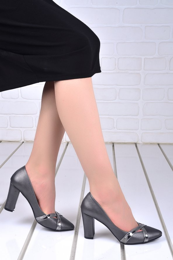Ayakland 137029-2042 Çizgili 8 Cm Topuk Bayan Ayakkabı GRI